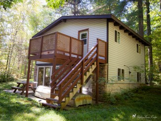 Pine Point Cabin Rental at Golden Fawn Lodge